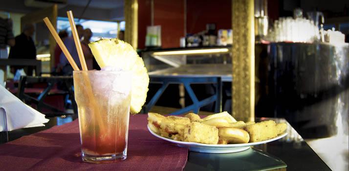 Aperitivo al Lounge Bar Picasso in provincia di Napoli