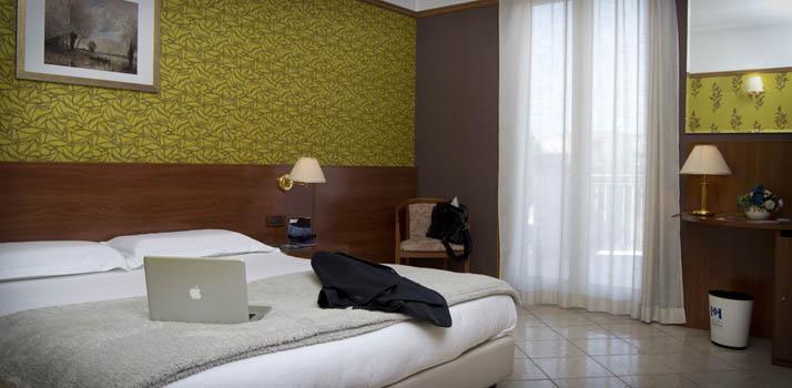 Camera superior dell'albergo 4 stelle zona vesuviana